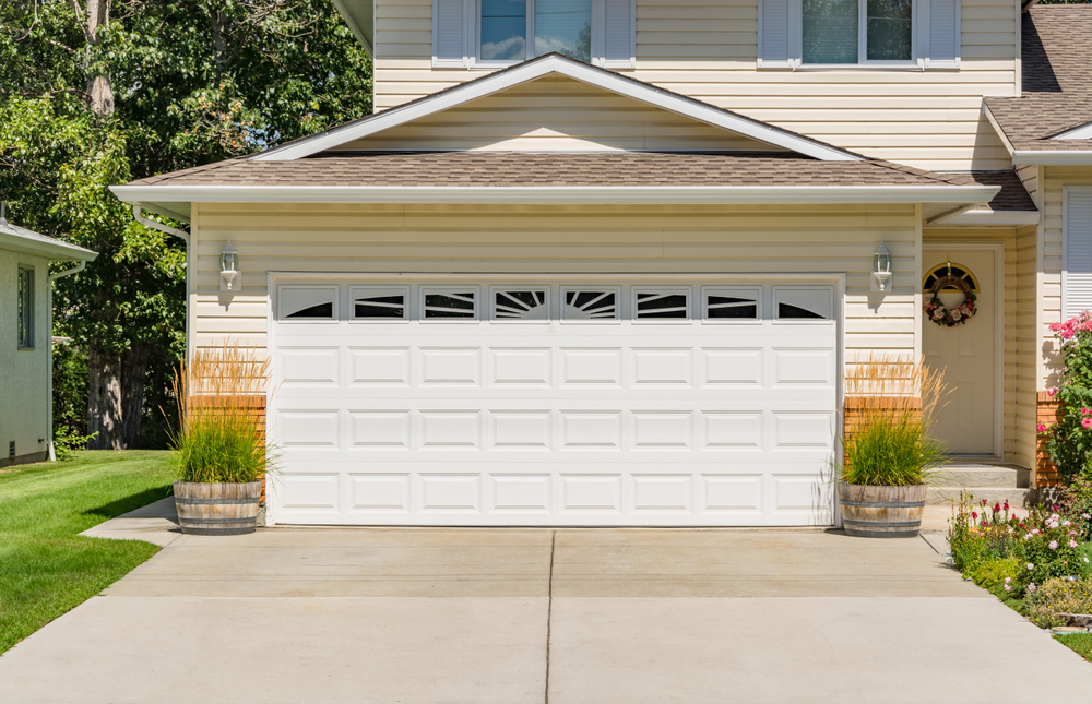 HOW CAN YOUR GARAGE DOOR KEEP YOUR HOME SECURE?