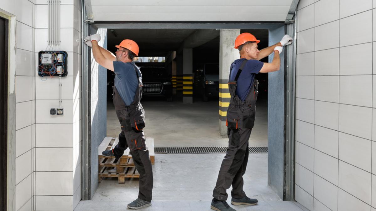 Homeowners! Should You Repair or Replace Your Garage Door?